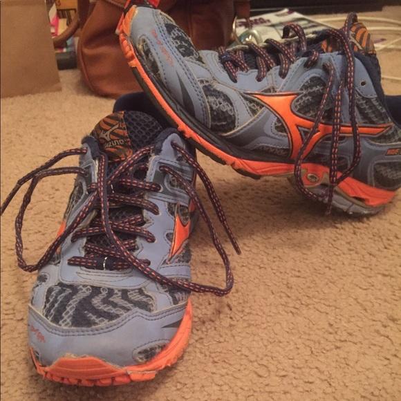 999e7728a02a Mizuno Shoes   Wave Elixir 7 Running Shoe   Poshmark